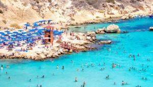 Güney Kıbrıs'ta turizmi canlandırmak için yeni şartlar belirlendi! İşte detaylar...